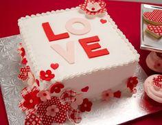 Como escolher o bolo de noivado ideal