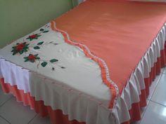 141   Olá amigas este é um dos mais novos modelos de lençol criado pelas Marias, espero que gostem.