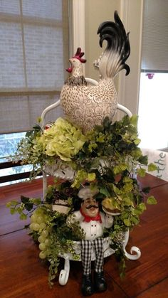I wanted to add Rooster to my kitchen but wanted to keep my cupcake and dessert chef theme. I hope this isn't over the top! I wanted to add Rooster to my kitchen but wanted to keep my cupcake and dessert chef theme. I hope this isn't over the top! Rooster Kitchen Decor, Rooster Decor, Kitchen Decor Themes, Farmhouse Kitchen Decor, Home Decor, Kitchen Ideas, Kitchen Design, French Country Kitchens, French Country House