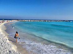 ¿Qué les parece una caminata por las playas de #Cancun?