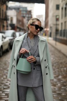 Mint and mini gingham // Blair Eadie wearing a gingham suit from ASOS paired back to mint outerwear and accessories // Pearl earrings by Lele Sadoughi // Click through for full outfit details and more transitional suiting looks on Atlantic-Pacific Fashion Moda, Look Fashion, Winter Fashion, Fashion Outfits, Womens Fashion, Fashion Tips, Fashion Trends, 80s Fashion, Modest Fashion