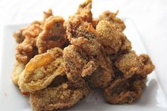 Deep fried oysters, dipped in nothing but cornmeal and quick fried in a deep fryer - simple and perfect. Deep Fried Oysters I can sti. Deep Fried Oysters, Fresh Oysters, Seafood Dishes, Seafood Recipes, Cooking Recipes, Cooking Tools, Shellfish Recipes, Sushi Recipes, Cajun Recipes