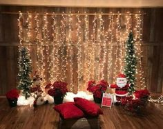 75 Christmas Photo Ideas to End Your Christmas Celebrations with a Bang Red Highlighted Santa Theme For Indoor Christmas Photo Shoot Christmas Picture Background, Christmas Background Photography, Christmas Photo Props, Christmas Backdrops, Diy Christmas, Christmas Photo Booth Backdrop, Christmas Cards, Christmas Photoshoot Ideas, Christmas Photography Kids