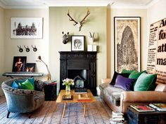 Fantastic living room, eclectic combination of objects and materials