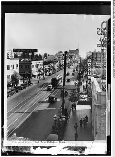 Vintage Los Angeles photo - ~Hollywood Boulevard looking east from McCadden Place Hollywood Street, Old Hollywood, Hollywood Photo, Hollywood Homes, Hollywood Actresses, California Love, Southern California, California History, California Republic
