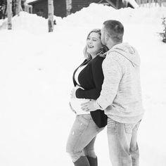 Bliss  . . . . . #maternityshoot #maternityphotography #grandjunctionphotographer #westslopebestslope #maternityphoto #grandjunction #grandmesa #winter #wintermaternity #mommytobe #momtobe #pregnant #pregnantbelly #babybump #expectingmom #expecting #preggo #bumpstyle