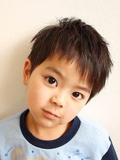 【2019年春メンズ完全版】キッズカットのメンズヘアスタイル・髪型|BIGLOBE Beauty Asian Boy Haircuts, Toddler Boy Haircuts, Toddler Boys, Baby Boy Hairstyles, Asian Kids, Asian Hair, Kids Fashion, Hair Cuts, Hair Beauty