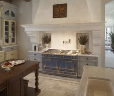 my future kitchen will have this stove.  Wowzers!