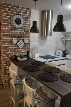 Кухня для молодой пары, 2011г #decoracioncocinaspequeñas New Interior Design, Interior Decorating Styles, Home Decor Trends, Diy Home Decor, Interior And Exterior, Exterior Design, European Home Decor, Kitchen Layout, Kitchen Decor