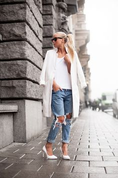 <3 ripped jeans  i love it so