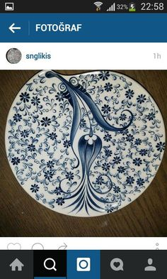 Ceramic Decor, Ceramic Plates, Ceramic Art, Turkish Tiles, Turkish Art, Glazes For Pottery, Pottery Art, Glazed Pottery, Islamic Tiles