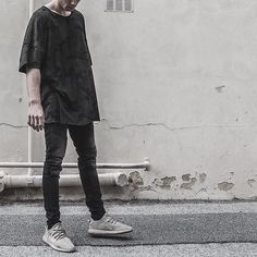 Knomadik Oversized Tee restock along with new styles drop tomorrow in-store // online Sunday. Exclusive to LESSONS in Australia.  @danielpatrick_ #knomadik #danielpatrick #lessonsconceptstore