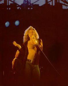 Robert Plant (Led Zeppelin),Tampa Bay Stadium, Tampa, Florida, June 3, 1977