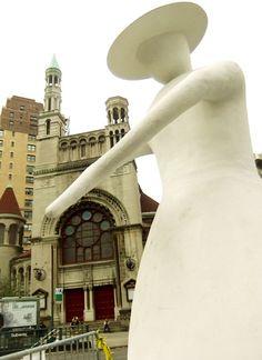 NYブロードウェイの57~157丁目間でパブリック・アート展 Saint Clair Cemin on Broadway : ニューヨークの遊び方