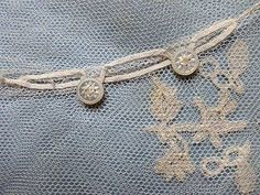 VICTORIAN HONITON APPLIQUE LACE FINGERLESS BRIDAL GLOVES OR MITTENS