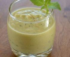 courgette, Huile d'olive, oignon, bouillon de volaille, basilic, ail, parmesan râpé, crême fraîche, Sel, Poivre