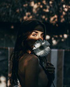 Marvelous Female Portrait Photography by Henry Jiménez Photography Poses Women, Creative Photography, Digital Photography, Photography Tips, Portrait Photography, Fashion Photography, Photography Courses, Photography Backdrops, Photography Services