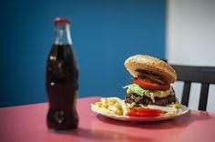 Cheeseburger - USA - http://differenttaste.wordpress.com/2012/11/27/cheeseburger/#