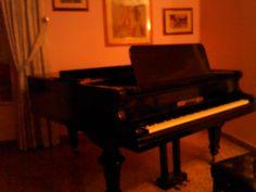 vendo pianoforte a mezza coda Wagner con tastiera in avorio