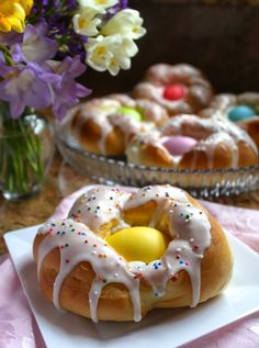 Individual Italian Easter Bread Rings authentic recipe easter eggs
