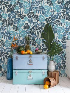 Deliciosa wallpaper in Peacock by Aimee Wilder