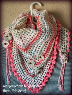 triangle granny scarf - free pattern and pic tutorial http://zootyowlcards.blogspot.co.uk/2014/06/road-trip-scarves-pattern.html