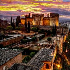 Spain Travel, France Travel, Travel Usa, Granada Andalucia, Alhambra Spain, Places To Travel, Places To Visit, Le Palais, Islamic Architecture