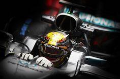ルイス・ハミルトン、フェラーリを警戒 「三味線を弾いている」  [F1 / Formula 1]