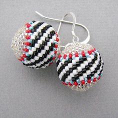 WindyRiver: Beaded Beads in Peyote Stitch