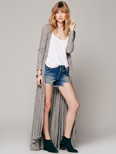 Free People Ribbed Up Maxi Cardigan at Free People Clothing Boutique Maxi Cardigan, Denim Fashion, Fashion Outfits, Fashion Ideas, Estilo Jeans, Kinds Of Clothes, Knitwear, Style Me, Ideias Fashion
