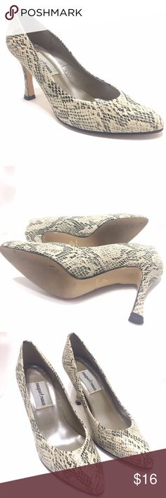 Cream And  Black Snakeskin Pattern Stiletto Pumps Newport News Snakeskin Pattern Pumps  • Size 6 M  • Cream & Black  • 3 Inch Heel  Shoes are Pre-Owned in Very Nice Condition. Light use Newport News Shoes Heels