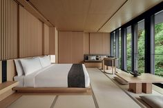 Our photo gallery lets you explore the beauty of Aman Kyoto, Japan. View our luxury rooms and pavilions & the stunning scenery on offer at Aman Kyoto. Modern Japanese Interior, Japanese Interior Design, Hotel Design Interior, Resort Interior, Japanese Home Decor, Japanese Style Bedroom, Japanese House, Tatami Room, Luxury Rooms
