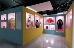 Pop! at London's Fashion and Textiles Museum #Exhibition Design