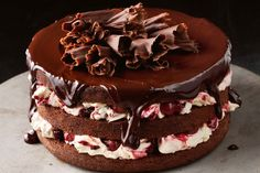 This luscious twist on classic black forest cake has a rich chocolate cherry sauce on top to intensify the flavour. Food Cakes, Cupcake Cakes, Cupcakes, Sweet Recipes, Cake Recipes, Ma Baker, Cherry Sauce, Black Forest Cake, Cake Delivery