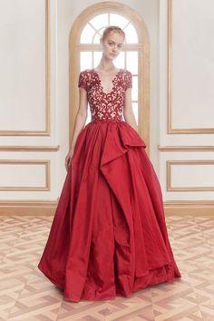 Reem Acra Resort 2016 Fashion Show Look 25 Fashion Week, Fashion Models, Fashion Show, Fashion Design, Modelos Fashion, Designer Gowns, Beautiful Gowns, Dream Dress, Reem Acra