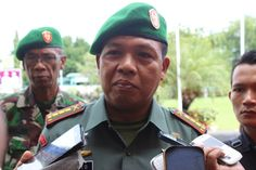 Danrem 162/Wira Bhakti, Letkol Inf. Farid Makruf, MA., usai menjadi inspektur dalam apel gelar pasukan Satgas Pam VVIP di halaman Kantor Bupati Sumbawa