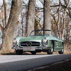 Mercedes Benz 300SL #roadster / photo via @carsinhamburg / #300SLRestorations #BruceAdams190SL