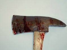 bloody axe - to go with the permanent damage in the game I want the blood on the axe to stay and not fade away (could wash off if you took it in the lake or in heavy rain)