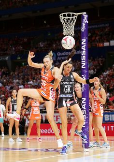 Jo Harten of the Giants competes with Sharni Layton of the Magpies during the round nine Super Netball match between the Giants and the Magpies at Qudos Bank Arena on April 2017 in Sydney, Australia. Netball Australia, Teeth Braces, Sydney Australia, Female Athletes, Sport Girl, Beautiful People, Fancy, Usa, Fitness