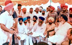 Punjab CM Parkash Singh Badal said that he would take up issue of hostile attitude of Rajasthan government towards Punjabi language with his Rajasthan counterpart Mrs. Vasundhra Raje Scindia. While interacting with people during Sangat Darshan program in Lambi Assembly Segment, the CMsaid that it was unfortunate that Rajasthan government has abolished post of Punjabi teachers in Government schools and this was a serious issue and a grave injustice with Punjabis settled in Rajasthan.