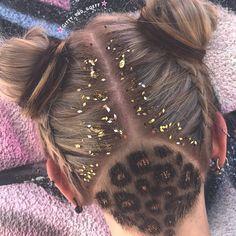 #undercut #hairtattoo #glitzerundercut #undercuttattoo #glitterundercut #gittyundgöff #unicornhair #colormelt #balayage #gittyundgoeff #haircutboutique #coiffeur #grenchen #switzerland #hair #haircolor #hairstyles #haircolor #hairdye #hairfashion