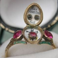 "Inside the locket bezel: Century French Ring. - marieantoinettesplayhouse Inside the locket bezel: Century French Ring with enamel carnival mask. Inside is the message ""Pour Vous Tout Seule"" (""For You All Alone""). Antique Rings, Antique Jewelry, Vintage Jewelry, Antique Gold, Jewelry Gifts, Jewelry Accessories, Jewelry Design, Jewelry Box, Memento Mori"