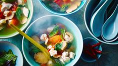 Classic tom yum soup with all the hot sour flavours you& expect. Packed with herbs, spices and vegetables. Eat Thai, Tom Yum Soup, Healthy Snacks, Healthy Recipes, Clean Recipes, Healthy Eating, Thai Dishes, Fodmap Recipes, Fodmap Foods
