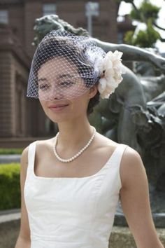 What do you think about this length-to the nose or to the chin? I bought some little pearls I can sew onto the veil part in addition to the comb. DIY: How to Make a Birdcage Veil - Project Wedding Wedding Songs, Wedding Veils, Wedding Wishes, Diy Wedding, Dream Wedding, Wedding Day, Budget Wedding, Veil Diy, Bird Cage