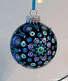 Hand painted Christmas ornament Christmas Mandala, Christmas Rock, Christmas Crafts For Kids, Merry Christmas, Xmas Crafts, Painted Christmas Ornaments, Hand Painted Ornaments, Diy Christmas Ornaments, Handmade Christmas