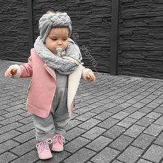 Tenue bébé fille rose et grise (hiver)