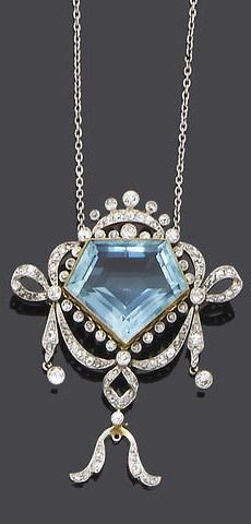 Belle Époque  Aquamarine and diamond necklace  (I don't know, looks like Kal-El's Mother's day gift to his Mom, to me!)
