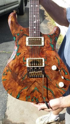 Knaggs Guitars Severn T2 Trembuck with Redwood top and inlaid Chrysocolla stone