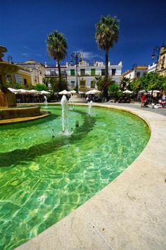 Sanlucar de Barrameda, Andalucia, Spain. Una tapita en la plaza del Cabildo, mejor imposible.