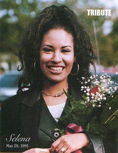 "takingbackourculture: ""Selena Quintanilla-Perez, the Queen of Tejano April 1971 - March 1995 "" Selena Quintanilla Perez, Divas, Her Music, Corpus Christi, Role Models, Beautiful People, Beautiful Soul, Beautiful Women, Amazing People"